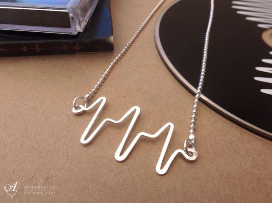 collier pendentif battement de cœur