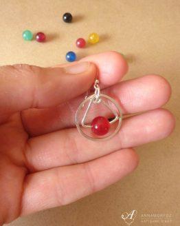 Boucle d'oreille en jade rouge plaqué argent par Annamorfoz