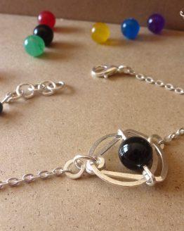 Bracelet en onyx noir fait main par Annamorfoz