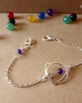 Bracelet triangle et rond violet par Annamorfoz