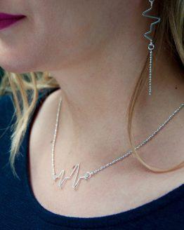 Joli collier fait main en plaqué argent de la collection Electro par Annamorfoz