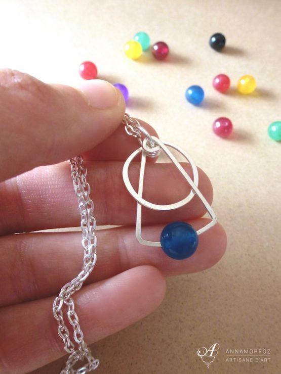 pendentif bleu triangle et rond