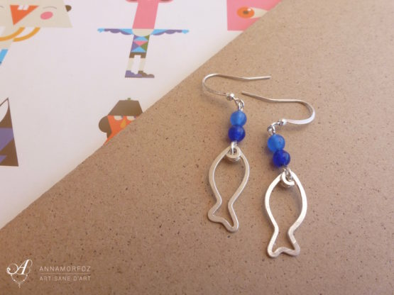 Boucles d'oreilles poissons bleus faites à la main par Annamorfoz