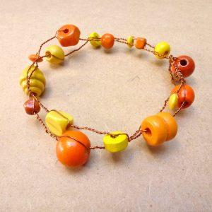 bracelet orange et jaune - technique du fil de cuivre pour les ateliers de création de bijoux à domicile Annamorfoz