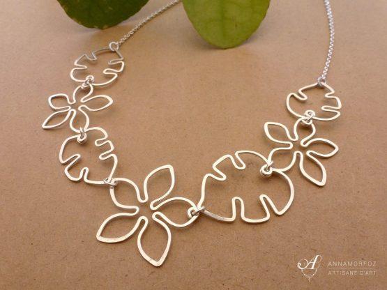 collier fleurs et feuilles en fil plaqué argent