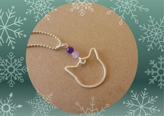 pendentif argenté chat violet mauve