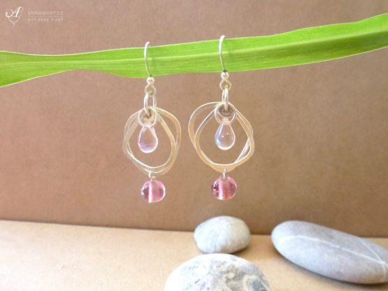 boucles d'oreilles rose pâle